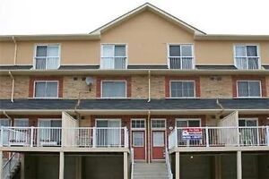 Townhouse 3 bedrooms and 2 washrooms