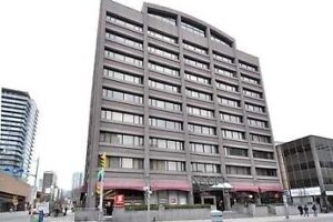 Immaculate Condo Centrally Located Cross Street To Wellesley