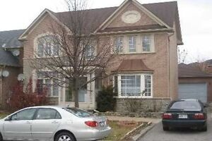 4+1 bedrooms house for Rent in desirable Area of Markham