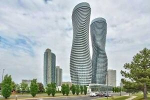 2 Bdrm Plus Den Condo Apt In The Heart Of Mississauga