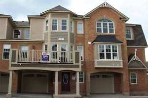 3 Badroom Townhouse For Lease In Milton