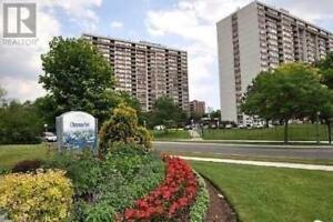 Fantastic Condo, 2+1 Br, 2 Wr, 25 SILVER SPRINGS BLVD, Toronto