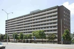 Fully Renovated 2 B/R Condo At Hwy 427/Derry Rd