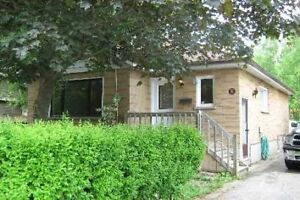 Beautiful 3 Bedroom Bungalow for Rent Immediately in Oshawa!!