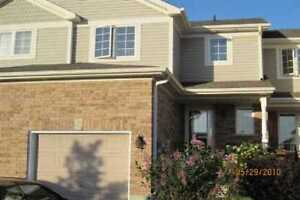 Beautiful Townhouse in Barrie