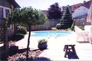 Newmarket 4 bd house w/pool for rent avail Sep 1