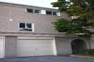 3 bed townhouse in Finch/Leslie North York