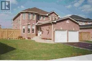 Detached house in Alcona Innisfil $579000