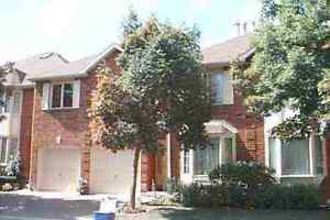 Beautiful Spacious 4BR Townhome In Quiet Complex In Mississauga