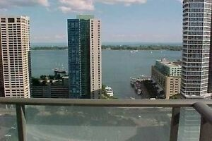 Beautiful 2 Bed & 2 Bath + Parking At Maple Leaf Square!!!
