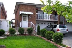 Fantastic Opportunity To Own This Lovely & Spacious 4 Bedroom De