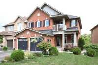 4 bedroom executive house in Richmond Hill at Yonge St & King Rd