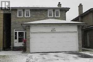 4+2 BEDROOMS 4 BATHROOMS Detached House For Sale!!