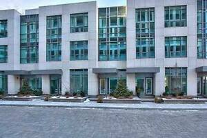 LAKEFRONT LAP OF LUXURY - BRONTE OAKVILLE - 3 BD ROOM TOWNHOUSE