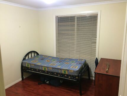 Room for rent (all bills inclusive) near La Trobe and Rmit. flat share