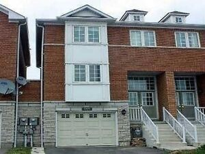 BEAUTIFUL UPDATED TOWNHOUSE IN THE HEART OF MISSISSAUGA