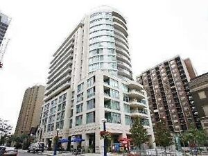 Spacious 2 Bdrm Condo In The Heart Of Yorkville. Parking Incl!