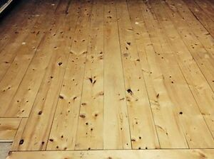 """4"""" and 6"""" Knotty Spruce Floor"""