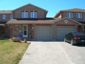 Great Townhouse At The North End Of Barrie