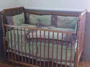 Ensemble de lit de bébé West Island Greater Montréal image 1