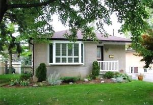 3 Bedroom Bunglow Brock/Rossland-Whitby-Beautiful Location