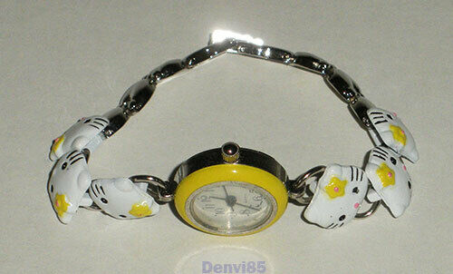 VINTAGE! Sanrio HELLO KITTY Quartz Japan Movement Watch on Bracelet!