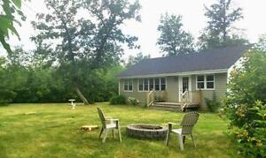Whytewold Cottage - Sleeps 7 - 45 min N of Wpg - 3-7 nights