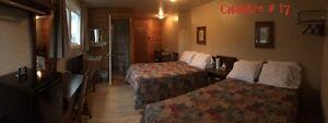 Chambre de motel 2 lits doubles
