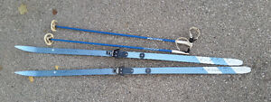 Kneissl Blue Star 190 Cross Country Skis with Nova Poles