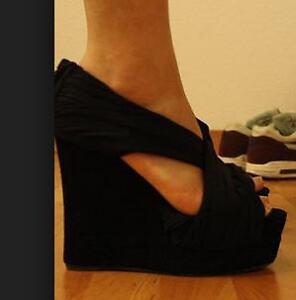 Jeffrey Campbell Black wedge Shoes , Size 6.5 London Ontario image 4