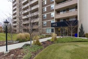 1 Bedroom Apartment Steps to Spencer Smith Park in Burlington!