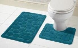 Blue Bubbles Rings Balls Non Slip Plush and Soft 2 Piece Bath Mat & Pedestal Set.