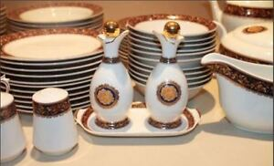 Beautiful Dinnerware Set - Stunning for any Occasion