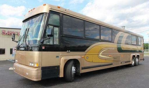 1998 MCI DL3 RV / VIP /  Entertainer Conversion Bus Motorhome