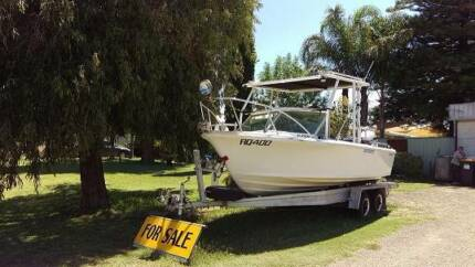 1984 Bertram Half Cab with Mariner 100 Outboard