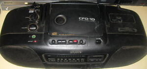 Sony Cfd-10 CD player Radio Cassette Stereo Speakers BoomBox