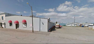 Spacious multi-purpose use commercial building for sale/lease