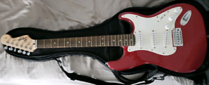 Fender Squier stratocaster w/bag and stand