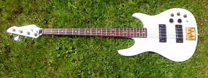 1986 PEAVEY DYNABASS 4 STRING USA MADE