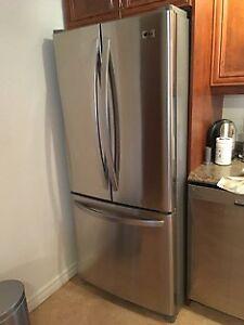 Beau réfrigérateur à vendre