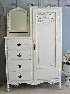 hello im looking for any old bedroom furniture