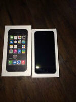 Selling Brand new iphone 5s 16 GB Gray Telus with all accessorie