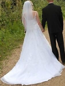 Beautiful Wedding Dress for Sale!!!