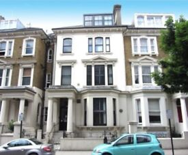 NICE OFFICE FOR 6-8 PEOPLE IN EARLS COURT