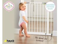 Hauck safety gate NEW