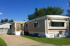 Beautifully maintained and updated mobile home in Westview