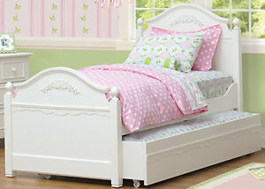Café Kids Abbey Collection Twin Bed (solidly built)