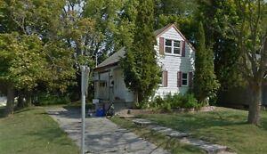 Amazing 5-bedroom Student House Across WLU Kitchener / Waterloo Kitchener Area image 1