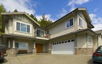 BEAUTIFUL CUSTOM BUILT BEAR MOUNTAIN 5BDRM 4BTH WITH INLAW SUITE