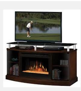 Meuble de télévision avec foyer électrique à braise en verre.
